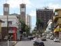 Empresários reclamam de vazamento de água em rua no Centro da Capital; CDL Cuiabá solicita reparo